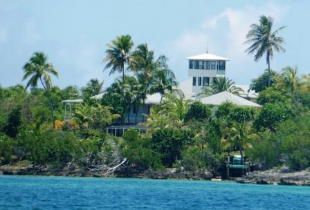 Luxury houses on Man O War Cay 2