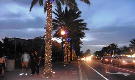 Boulevard by night