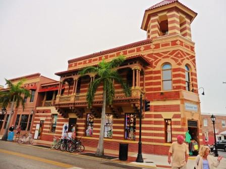 Duval Street 1