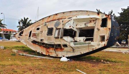 Dead yacht