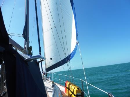 Downwind sailing to KW