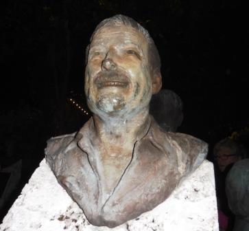 Ernest Hemingway bust