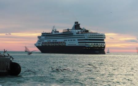 Goodbye to the cruise ship